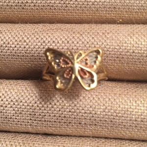 10kt gold Butterfly ring size 6 with diamonds